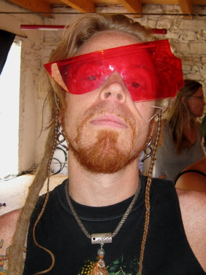 sem2010-brinker-redglass-web